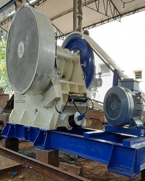 Crushing / Size Reduction Equipments